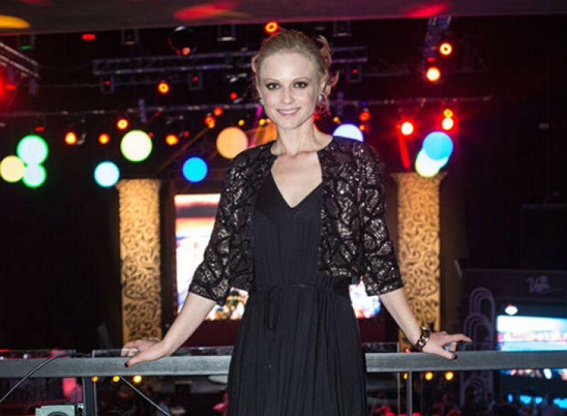 Ana también compartió créditos con Lanús en la telenovela Primer Amor.