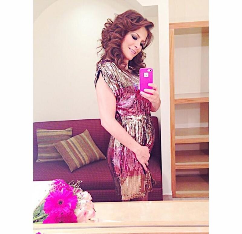 Esta fue la primer selfie de Alessandra luego de que tanto ella como Eugenio confirmaran que estaban esperando bebé.