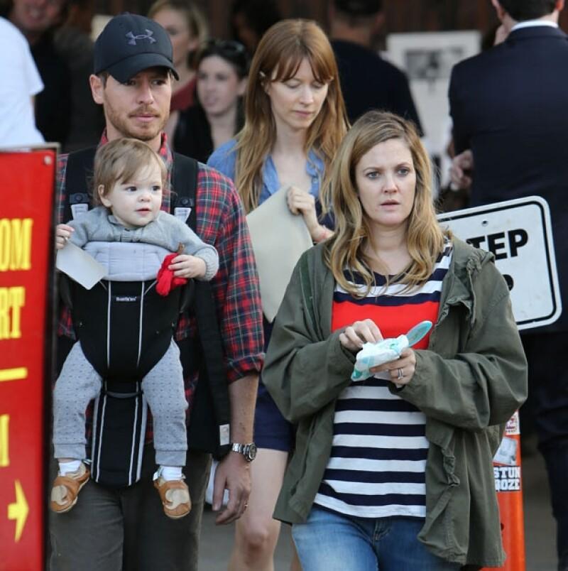 La actriz comentó en la revista People que trató de ocultarlo lo más que pudo pero está muy feliz al igual que su esposo Will Kopelman por la llegada de su futuro bebé.