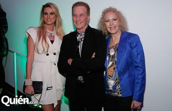 En la premiación de ECOFILM Festival acompañada de Emmanuel y su esposa Mercedes Alemán.