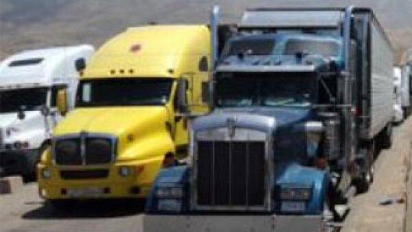LOG-CamionesFrontera