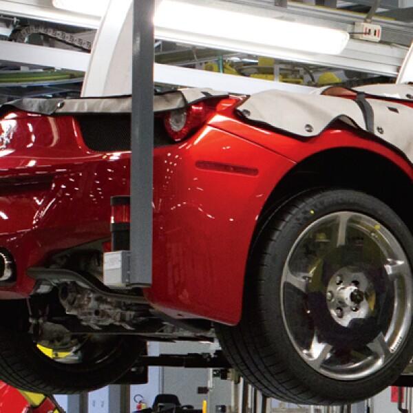La región Emilia-Romagna es la meca de los automóviles de alto desempeño. En ese lugar, Enzo Ferrari, fundador de Ferrari, asentó su poderío porque había buena manufactura mecánica y mano de obra calificada.