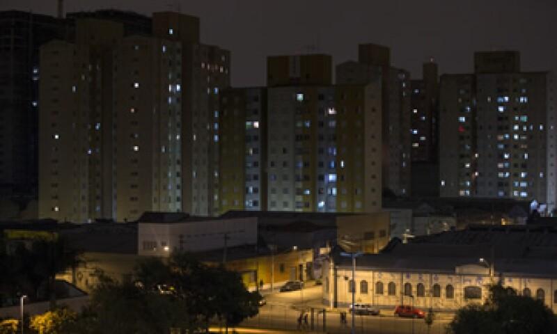 La iluminación representa hasta 15% del gasto corriente de algunas entidades. (Foto: Getty Images)