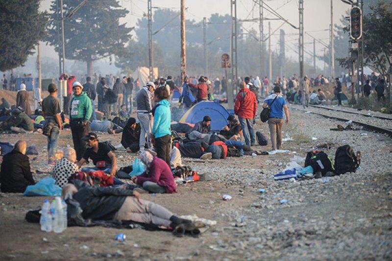 Asiaciones como ACNUR, la Cruz Roja y UNICEF se han encargado de ayudar a los inmigrantes.