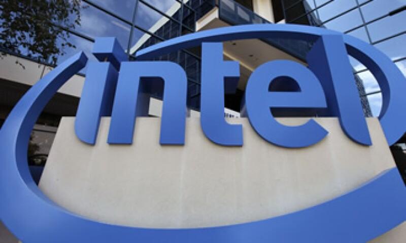 Las ventas de Intel crecieron 15% en el segmento centros de datos en el trimestre. (Foto: AP)