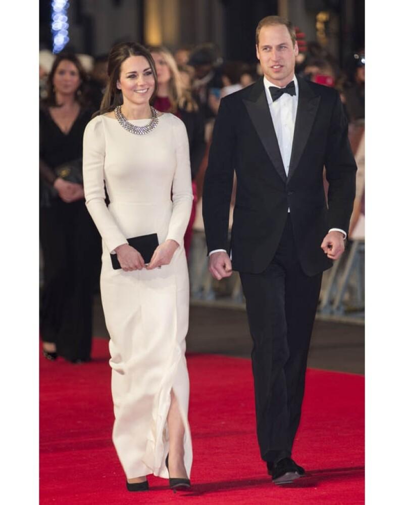 Los duques a su llegada al Odeon Leicester Square en Londres cuando aún no eran informados sobre la triste noticia.