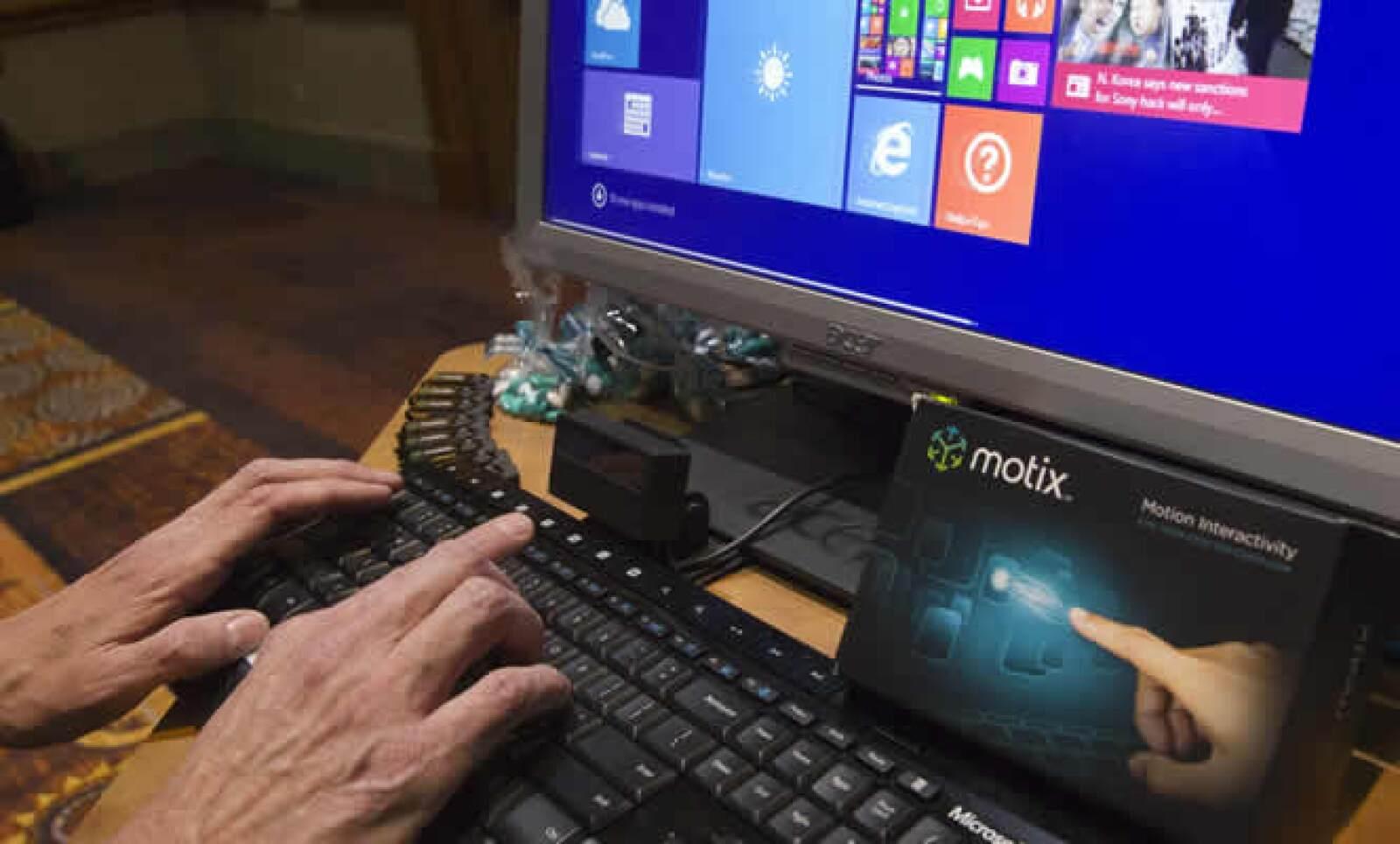 Motix es un monitor que permite usar tus dedos como un mouse y otras funciones sin tocar el teclado.
