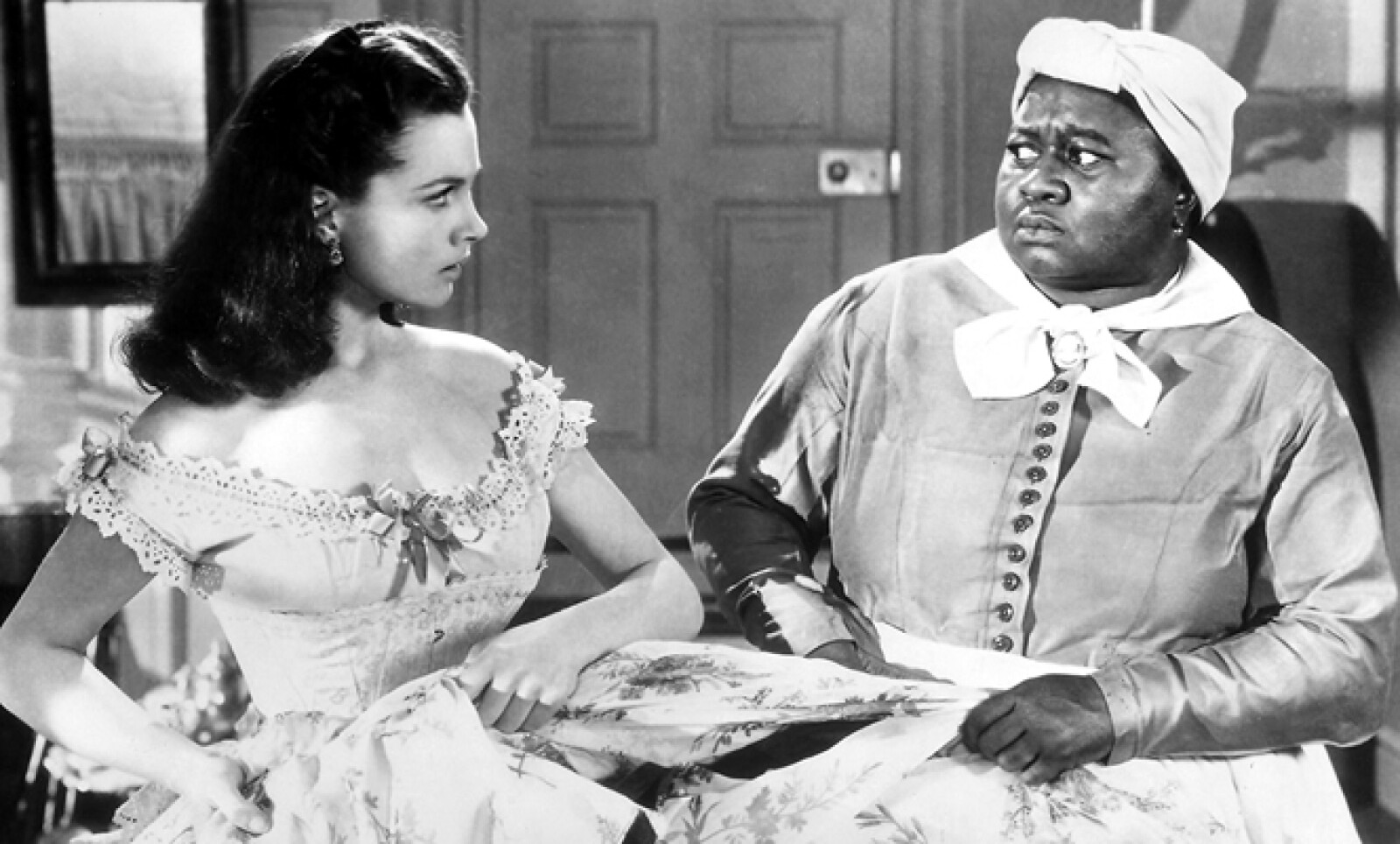 Hattie McDaniel se convirtió en 1940 en la primera mujer afroamericana en ganar un Oscar. Triunfó por su papel en la cinta Lo Que el Viento se Llevó.