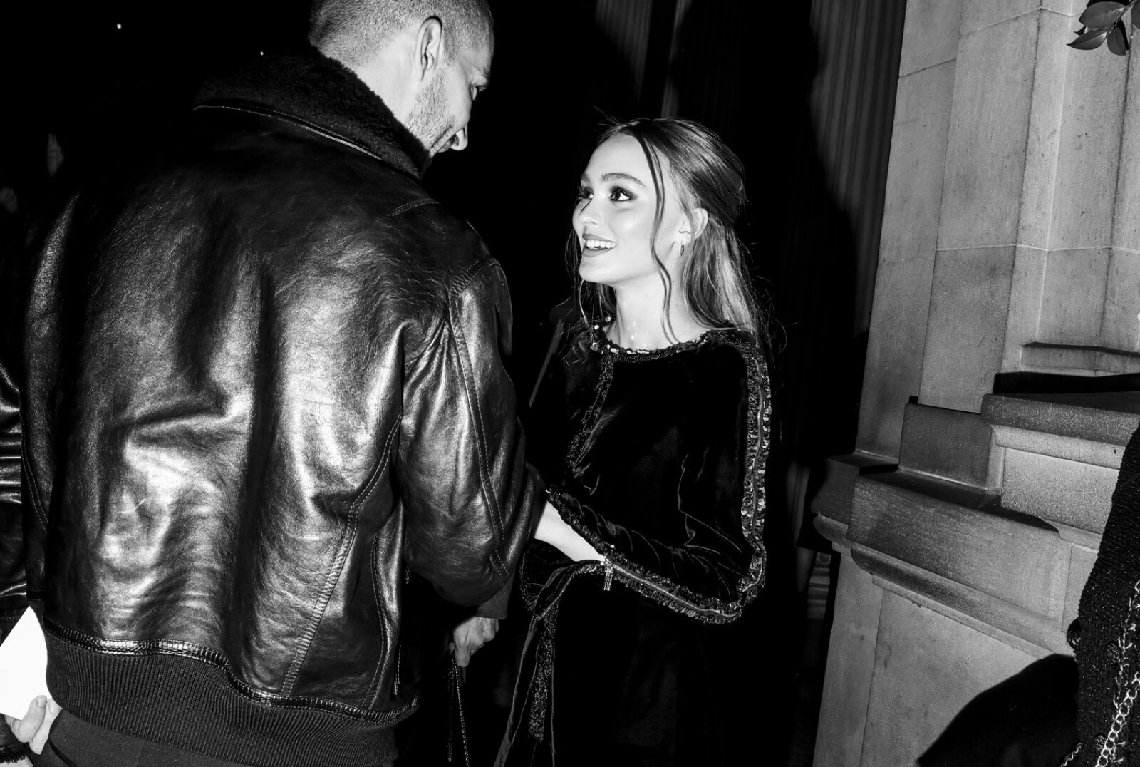 10_Lily_Rose_DEPP_at_the_Paris_New_York_Metiers_dArt_Show_2.jpg