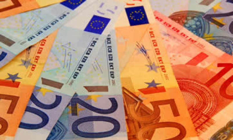 Los ministros de Finanzas de la zona euro dieron a Grecia dos semanas para aprobar estrictas medidas de austeridad a cambio de otros 12,000 millones de euros en préstamos de emergencia. (Foto: Photos to go)