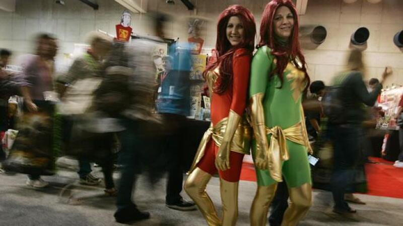 Natalie L. y Karsh Jessica se hacen pasar por Phoenix y Dark Phoenix durante la Comic-Con International