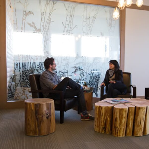 Los HQ de Hootsuite están ubicados en Vancouver, Canadá, ciudad con algunos de los Cedros Rojos más grandes del mundo