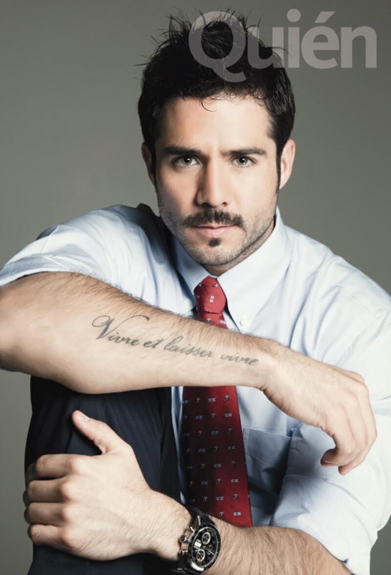 El actor fue captado muy cariñoso junto a Begoña Narváez, quien fuera su novia hace ocho años.