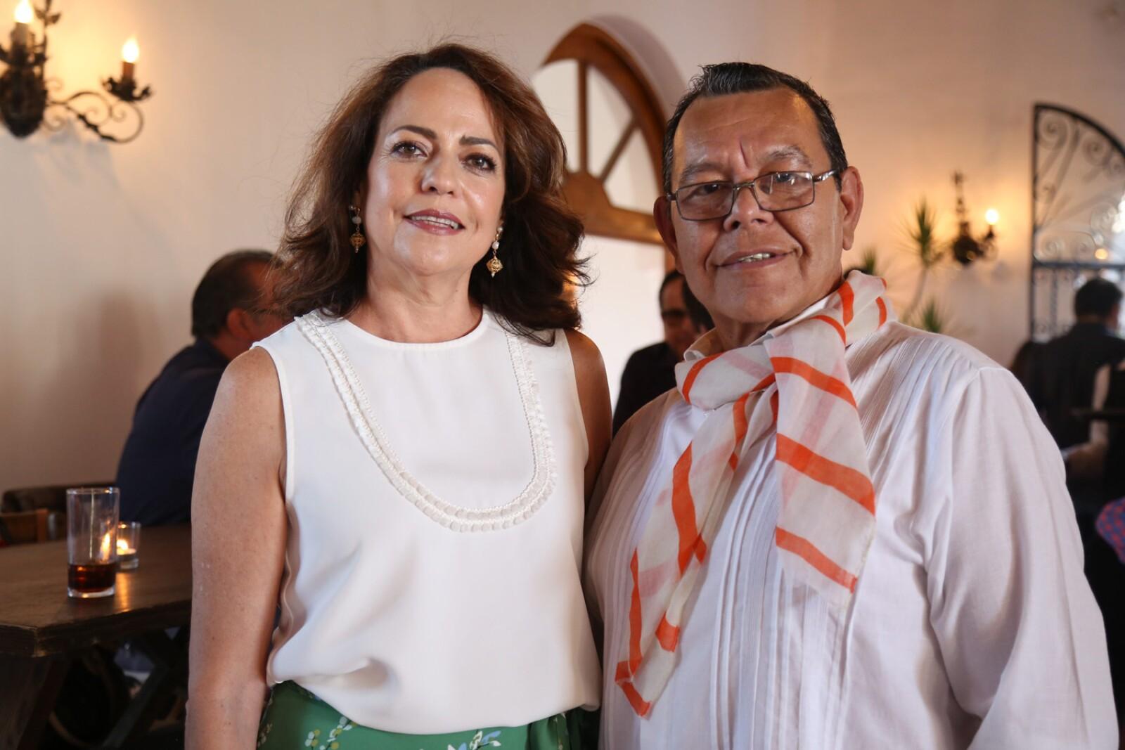 Martha Santa Ana, Julio Espinoza (3).jpg