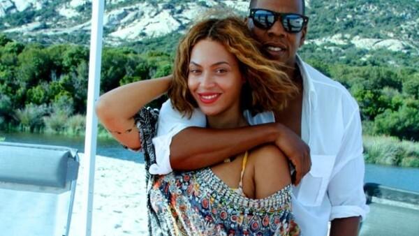 """La pareja organizó una """"ceremonia especial de compromiso"""" en una playa de Córcega el pasado 4 de septiembre."""