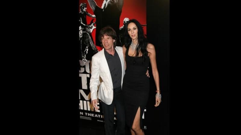 Mick Jagger y su novia por más de 10 años, L'Wren Scott , en marzo de 2008 durante la premier del documental de los Rolling Stones ?Shine a light?