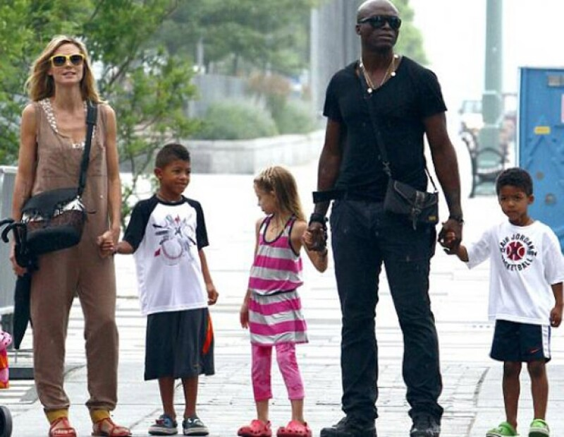 La pareja de artistas siempre demostraron su unión y gran amor al pasear con sus hijos.