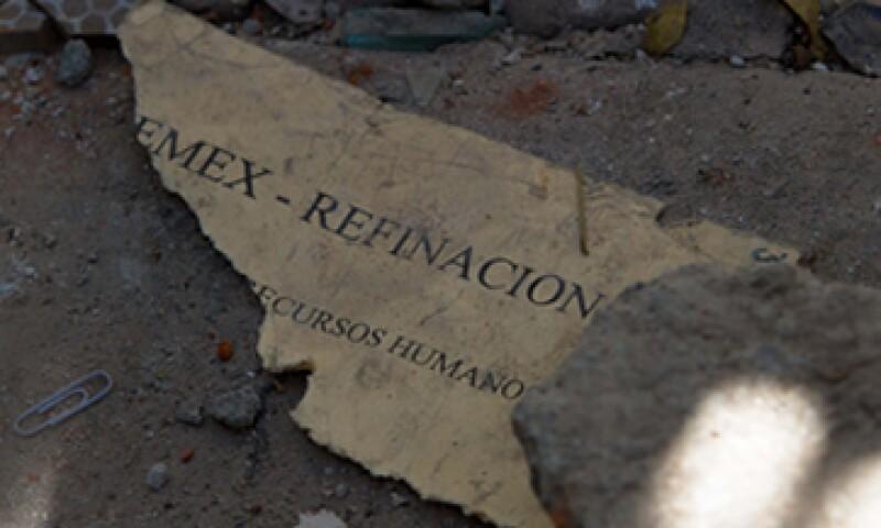 La acumulación de gas en el sótano y posterior estallido causó un impulsó hacia arriba y después una caída de materiales. (Foto: Notimex)