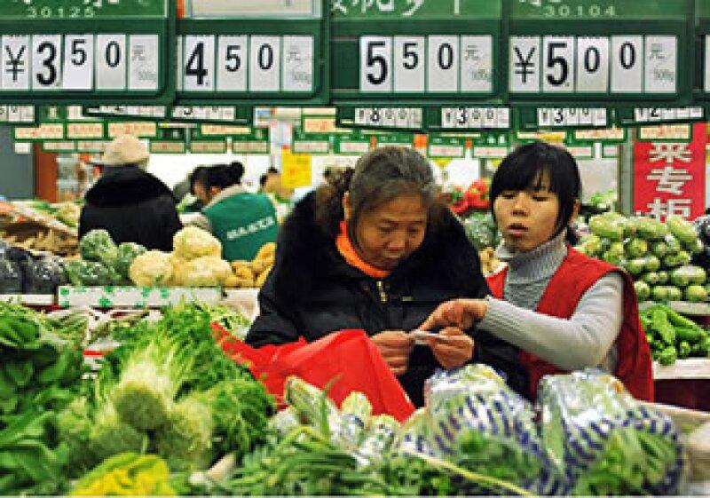 Una de las prioridades del gobierno chino es estabilizar los precios. (Foto: CNNMoney)