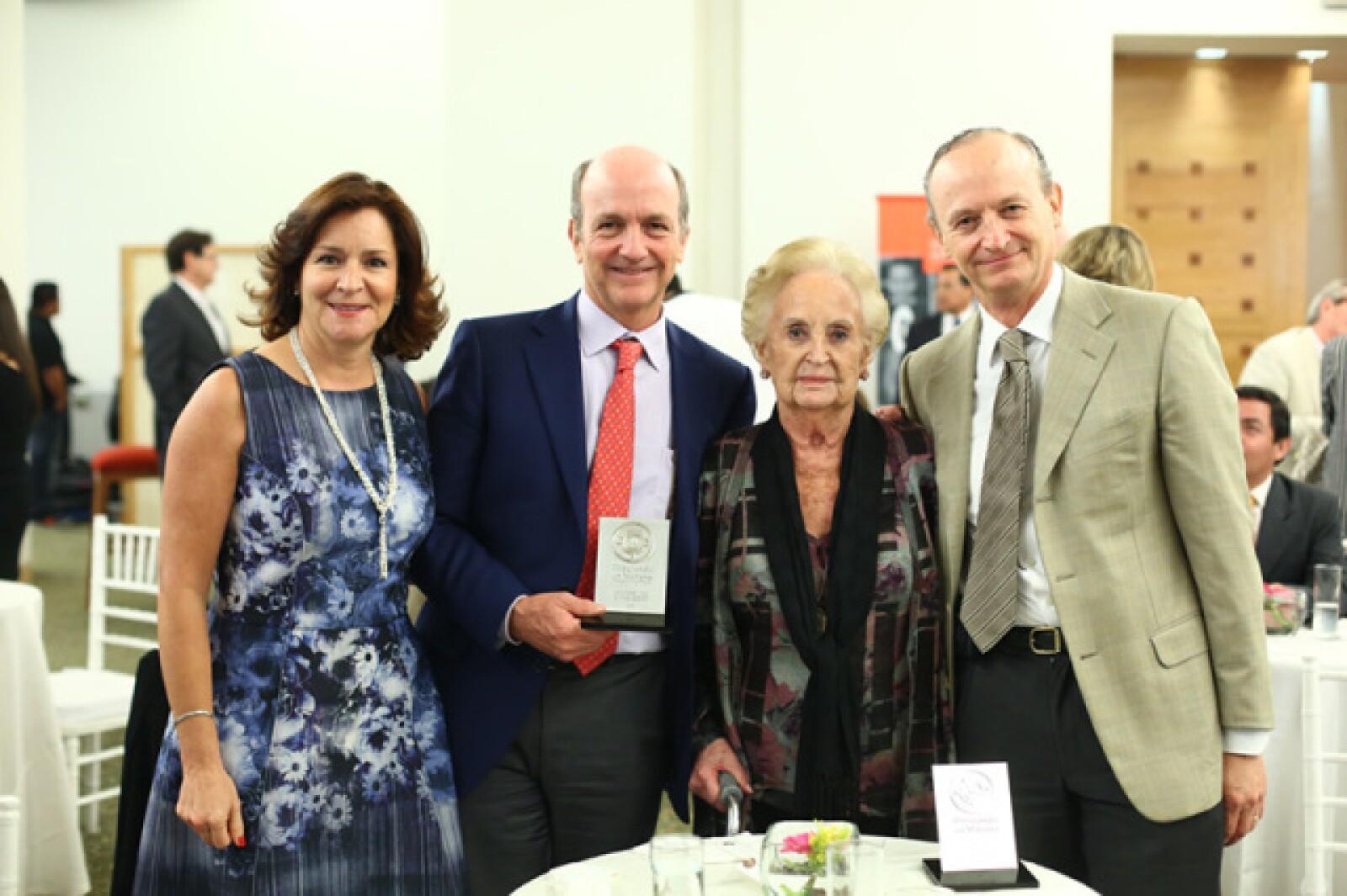 Andrea y Federico Toca, Pepi Larragain y Fernando Toca