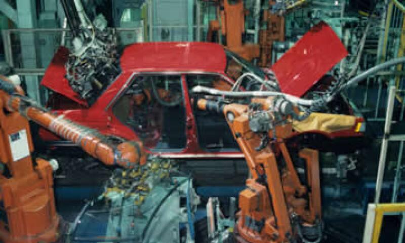 En México las ventas de vehículos híbridos o eléctricos son reducidas, refiere el estudio de KPMG. (Foto: Thinkstock)