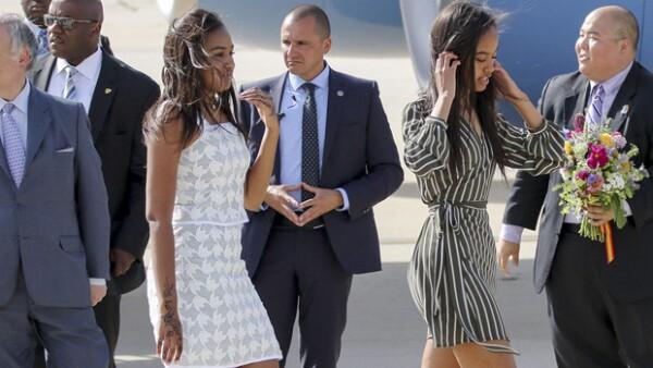 En su visita a la capital española, este par se dispuso a seguir los pasos de la Reina Letizia y se fueron de shopping a las principales tiendas de fast fashion de Madrid.