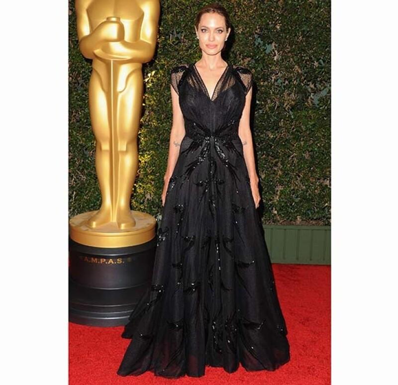 La actriz estadounidense asistió la noche de ayer a una ceremonia con la junta de gobierno de los Premios de la Academia.