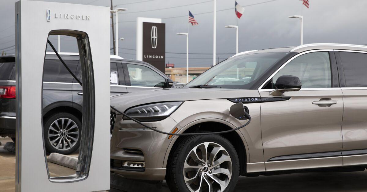 Lincoln lanzará su primer SUV eléctrico en febrero con tecnología de Ford