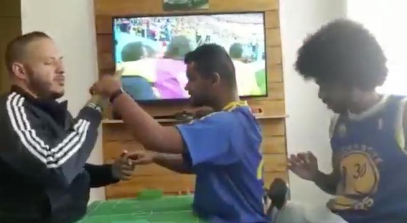 El emotivo festejo de un sordomudo durante el gol de Brasil