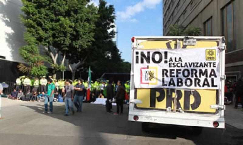 El Senado discute actualmente la reforma laboral que avaló la Cámara de Diputados.  (Foto: Notimex)