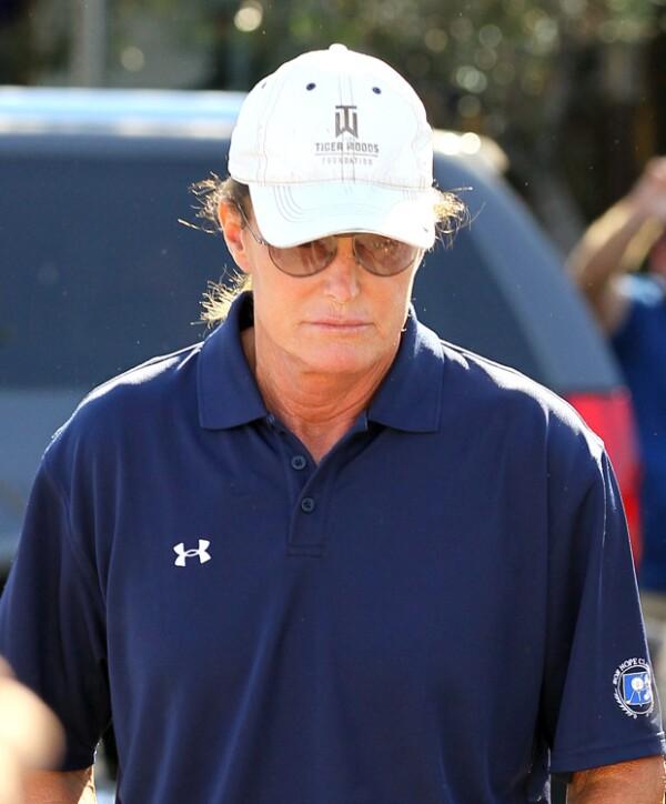 Testigos apuntan que Bruce Jenner fue visto ayer por Los Ángeles, notablemente triste.