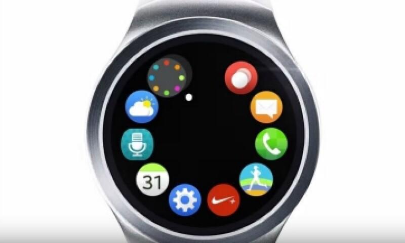 El nuevo reloj tiene una pantalla circular, a diferencia de su predecesor. (Foto: YouTube/Samsung Mobile)