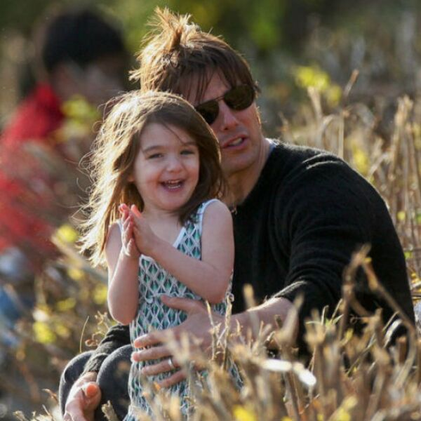 Suri en uno de sus momentos felices con Tom Cruise.