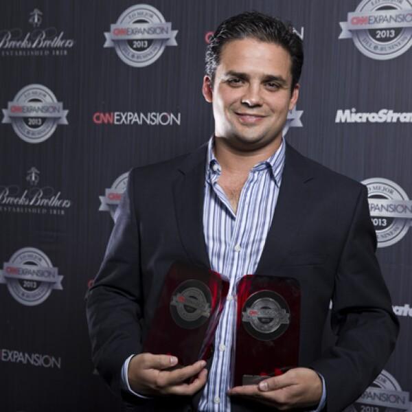 Jesús Martínez, director general de EnvíaFlores.com, dio sus primeros pasos en su negocio en internet en el 2000. El 6 de noviembre de 2013 fue reconocido como el Mejor Comercio y también como el Sitio del Año.