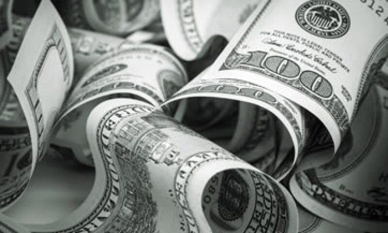 El dólar se compra en 15.83 pesos en ventanillas bancarias, según Bancomer. (Foto: shutterstock.com )