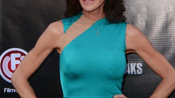 La reconocida Janice Dickinson se cayó en vivo durante la emisión de Celebrity Big Brother UK, cuestión que escandalizó a los medios pues se pensó que en reaidad pudo haber muerto.