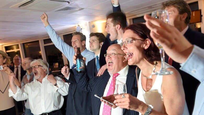 Tras los  resultados dados a conocer en Sunderland, en los que la mayoría votó por abandonar la UE, los partidarios de 'leave' festejaron.