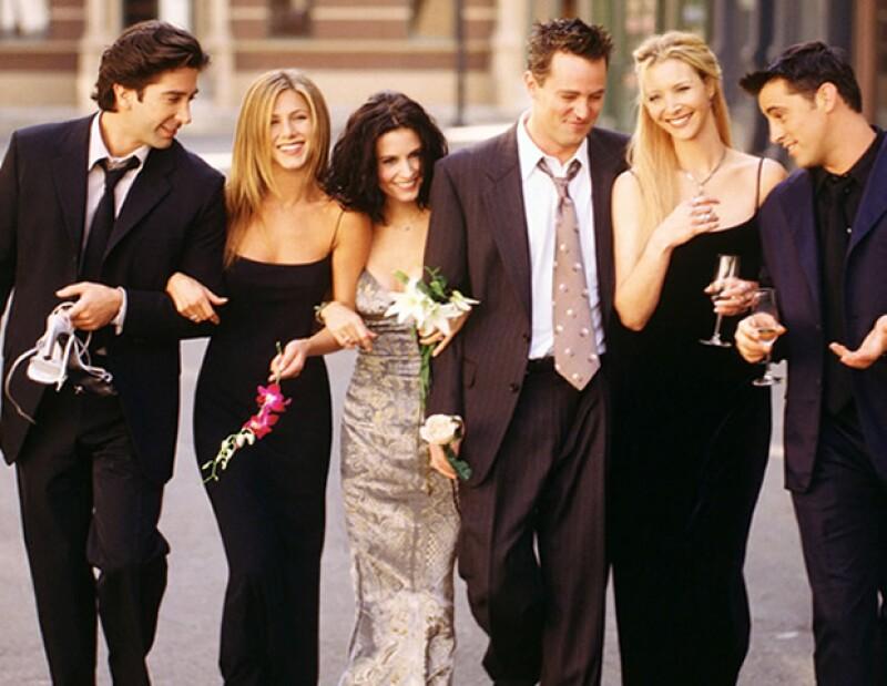 Los 90´s are back, y junto con ellos muchos de los looks de nuestros protagonistas favoritos de la serie Friends. Entérate como rescatar los outfits de Rachel, Phoebe y Monica.