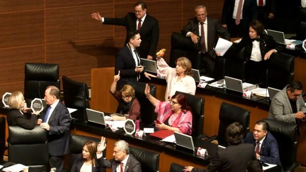 Senadores votan etiquetado