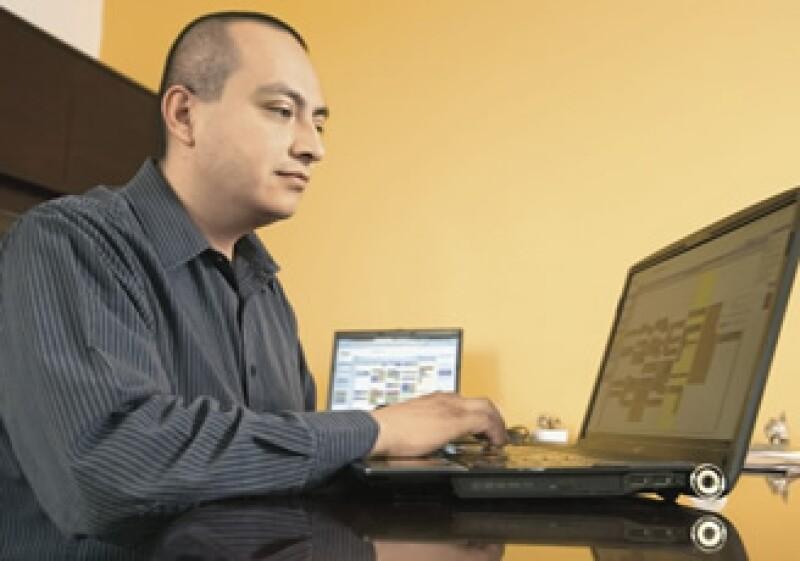Carlos Castañeda, director de Política Informática del GDF, vio en Google Aps una alternativa para aumentar la productividad de los servidores públicos. (Foto: Adán Gutiérrez)
