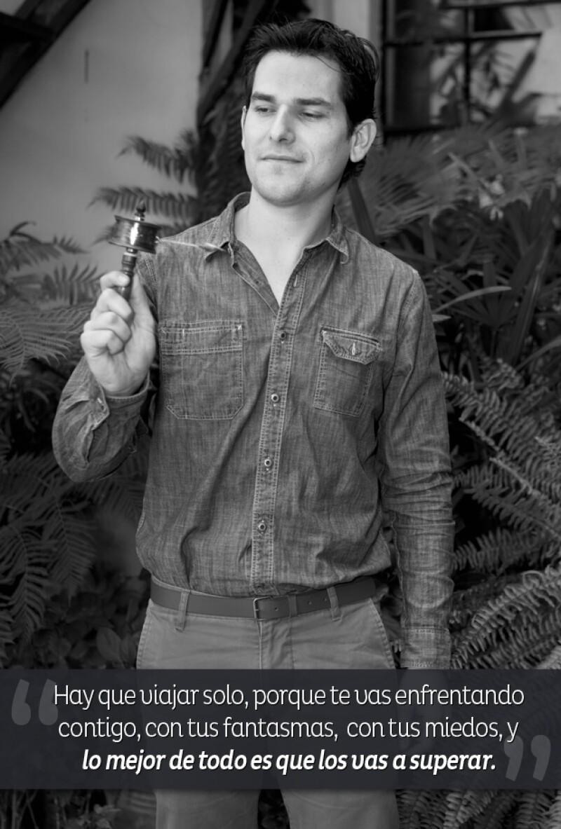 """Fuimos a platicar con Alan Estrada quien nos llevó a conocer más de nuestro mundo. Pronosticamos adicción a su blog """"Alan x el Mundo""""."""