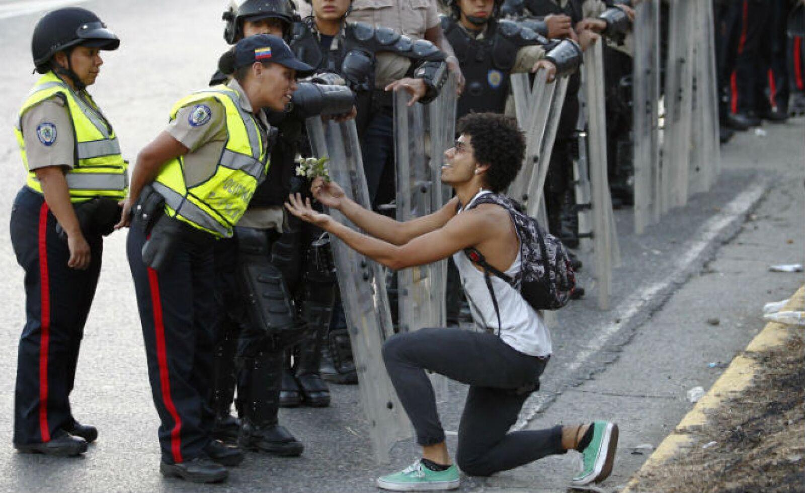 Casi un centenar de jóvenes que han participado en las protestas fueron detenidos desde el miércoles 12 de febrero.
