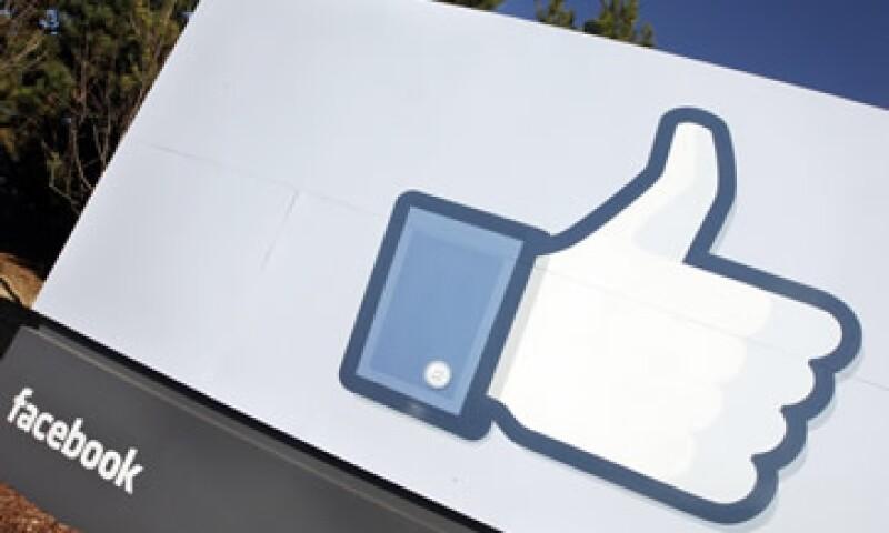 Facebook  consigue la mayor parte de sus ingresos de las ventas de publicidad. (Foto: AP)