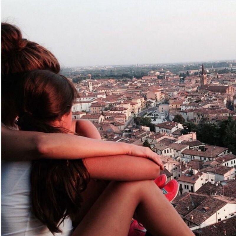 En pocas ocasiones Jaydy y Alejandro dejan ver a su hija, esta fue una de ellas durante el viaje familiar de la tapatía a Italia.