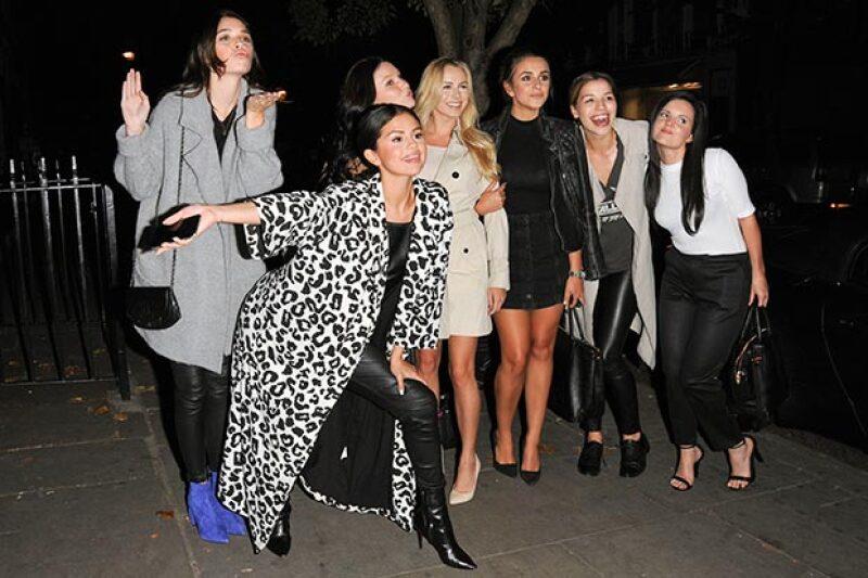 Selena pasó su cumpleaños en compañía de su amigas en Londres.