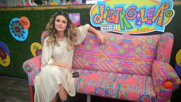 Issabela Camil en el lanzamiento de McCormick Decorados