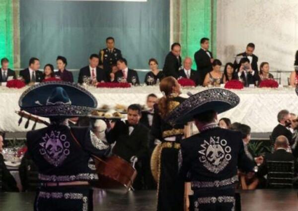 La cantante mexicana fue invitada a cantar a la cena en honor al mandatario Xi Jiniping, que se llevó a cabo ayer en Palacio Nacional.