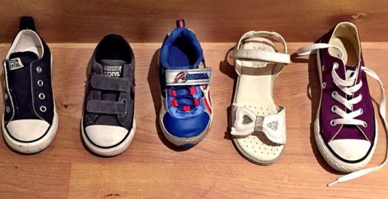 Javier, Bruno, Diego e Inés colocaron su zapato esperando regalos de los Reyes Magos.