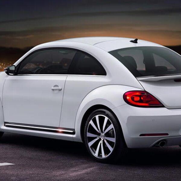 Su motor es un 1.2 TSI que genera un rendimiento de 4.3 litros de gasolina por cada 100 kilómetros recorridos.
