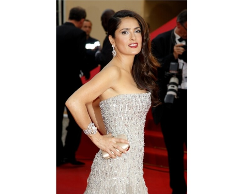 La actriz mexicana reveló que tiene muchos secretos de cocina, con los cuales ha logrado que su hija Valentina ame las verduras.